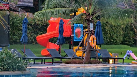 Holiday Inn Resort Krabi Ao Nang Beach: Playground