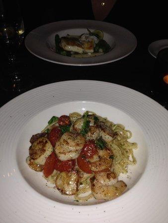 Rocpool Restaurant : Scallops and shrimp in Linguine