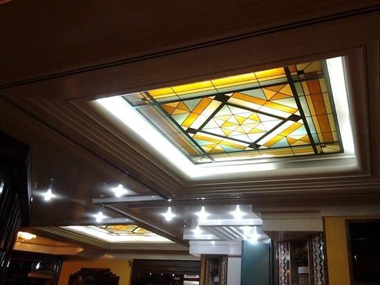 New Gemini Hotel: mosaico soffitto...