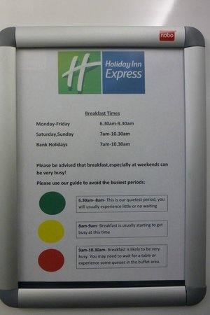 Holiday Inn Express Cambridge : Sign in lift