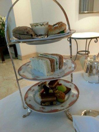 Alvear Palace Hotel: Una merienda de L'Orangerie en el Spa. Optima!