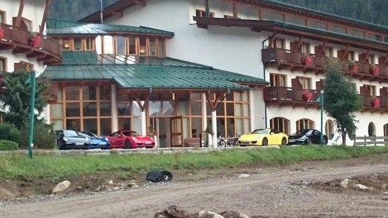 Defereggental Hotel & Resort: 911er warten auf die Ausfahrt