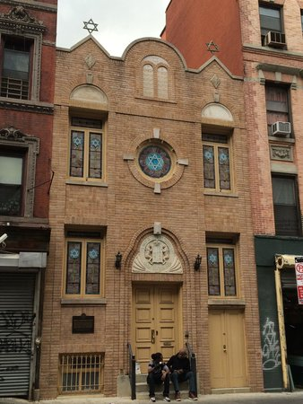 Lower East Side: synagogue