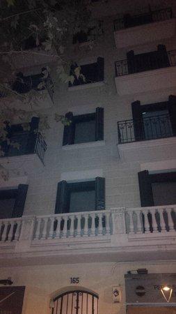 Eric Vokel Sagrada Familia Suites: The building
