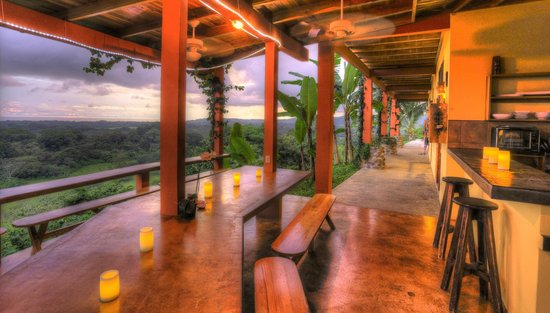 Costa Rica Yoga Spa: dining area