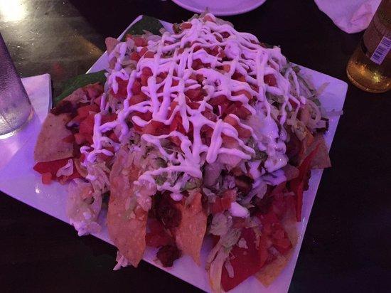 The Hub Baja Grill : Mountain of nachos.
