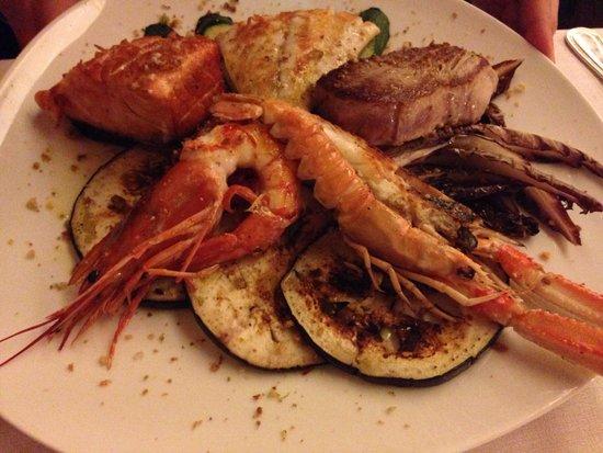 Osteria Carbonaia Mare: Grigliata di pesce