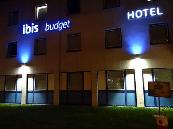 Ibis Budget Lübeck City Sued: Ibis by night