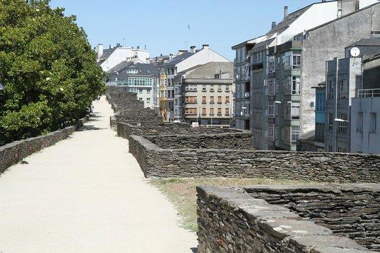 Walls of Lugo - Picture of The Roman Walls of Lugo, Lugo ...