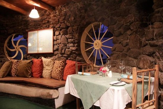 Bogles Round House: Restaurant