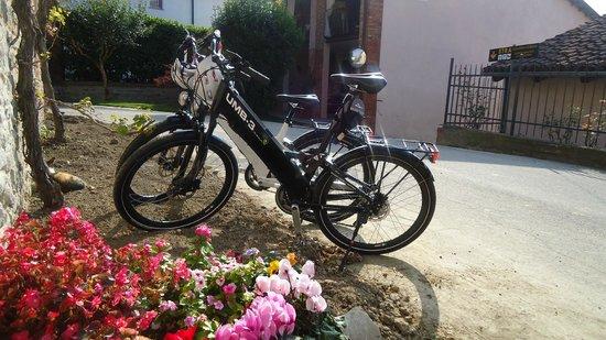 Novello, Italy: Le e-bike di Itaway Langhe