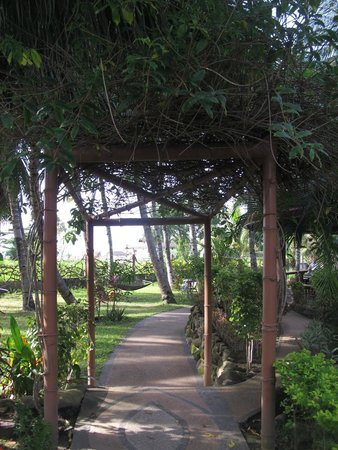 Aqua-Landia : Walkway to Restaurant