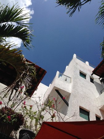 Casa Sirena Hotel: View from the wading pool;)