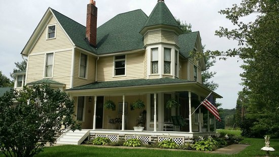 Millview Bed & Breakfast: Millview B&B :: 125 Year Old Bed & Breakfast