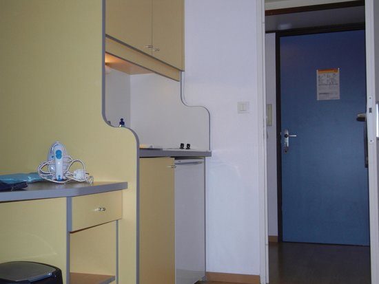Adagio Access Rennes Centre: Kitchenette