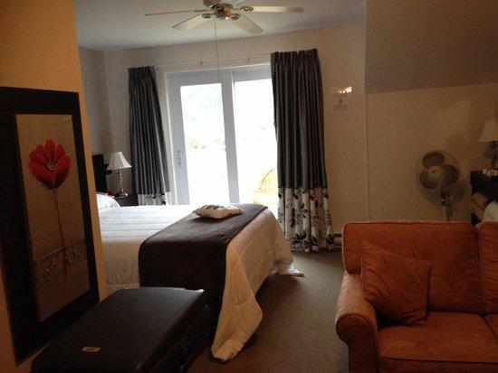 Hotel - Motel Le Beluga : Hôtel le béluga à tadoussac