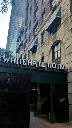The Whitehall Hotel: Hotel Entrance