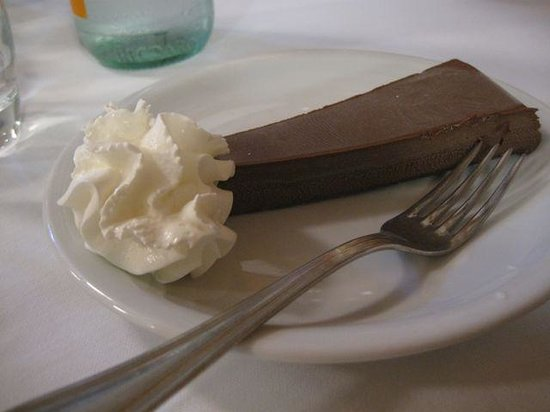 Trattoria Lovise : Chocolate pâté and whipped cream