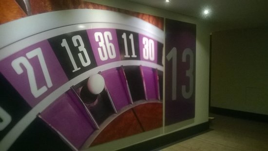Van der Valk Airporthotel Duesseldorf : 13th floor lobby