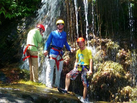 Guanaja, Honduras: Waterfall repelling and Canyoneering Tour