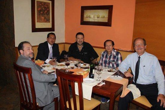Hostal Posada del Angel: Buena comida en el restaurant con buenos amigos.