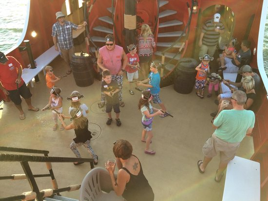 Captain Memo's Pirate Cruise: Little pirate water gun fight on the main deck.