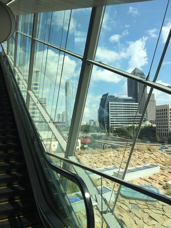 Perot Museum of Nature and Science: Glass escalator