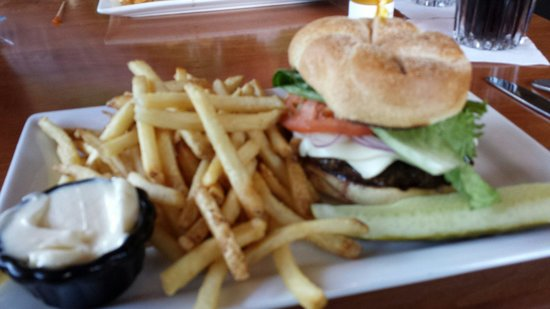 Black Cap Grille : Number 1 cheese burger!