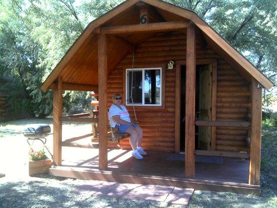 Alamosa KOA : Cozy Cabin