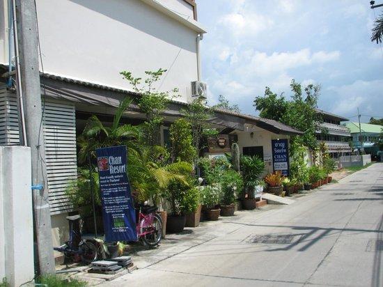 ชาญ รีสอร์ท: Entrance to Chan