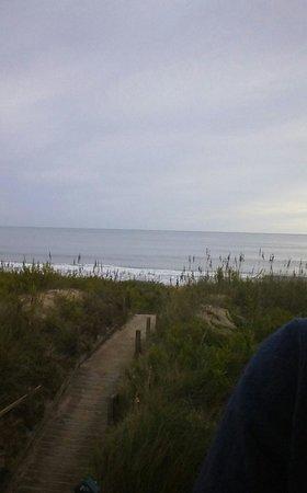 Comfort Inn On The Ocean: Beach access