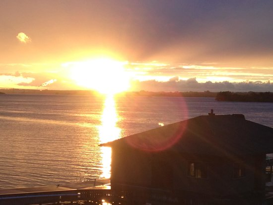 Off the Hook Bed and Breakfast: Speaking of beautiful sunsets....
