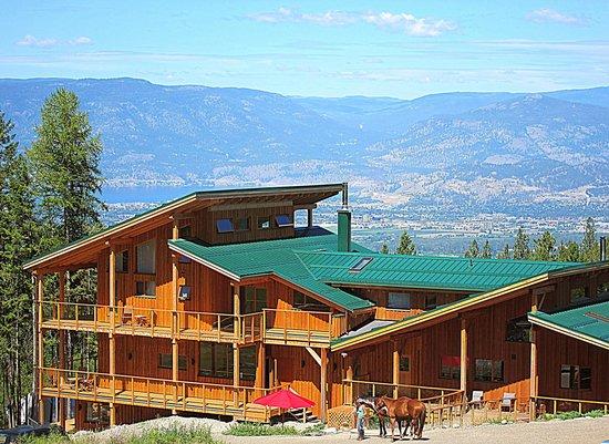 Myra Canyon Ranch: Ranch and valley