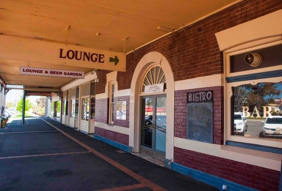 Junee Hotel : Pub entry
