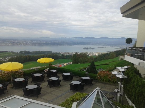 Panorama Resort & Spa: View of the lake to the  east