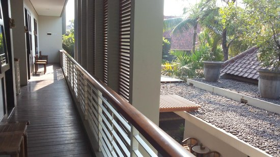 COZY Boutique Guest House: Balkon