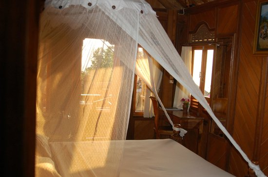 Puri Lumbung Cottages: the room