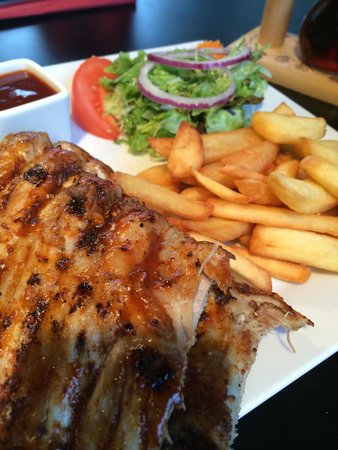 Raphael Restaurant: Spare ribs....taste good :)