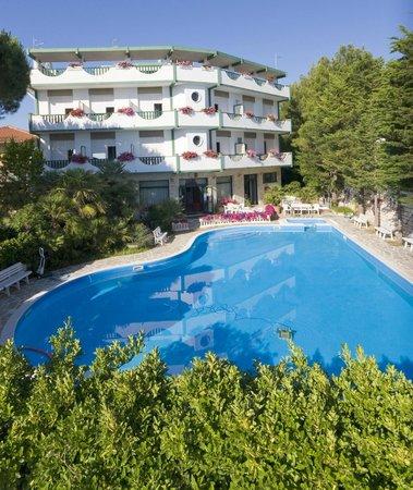 Hotel foto di hotel k2 numana marcelli di numana for Hotel meuble la spiaggiola numana