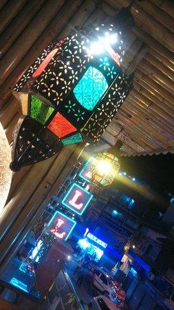 Hotel Hari Piorko: Classic Lanterns..