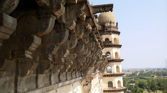 Gol Gumbaz: The view from each story is different