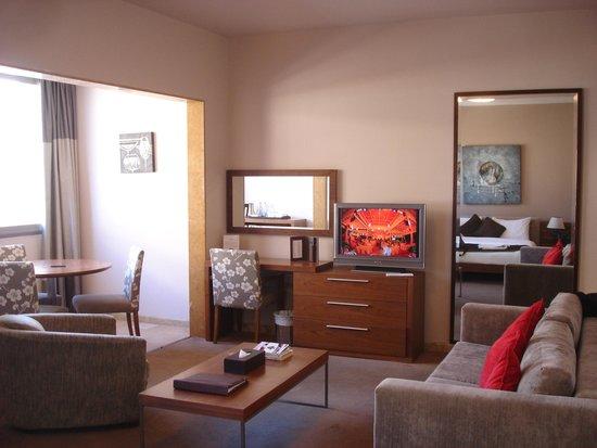 City Suite Hotel : Junior Suite - lounge side