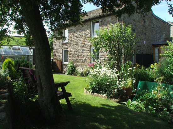 Chatterbox Cafe: HILL HOUSE EAST B&B