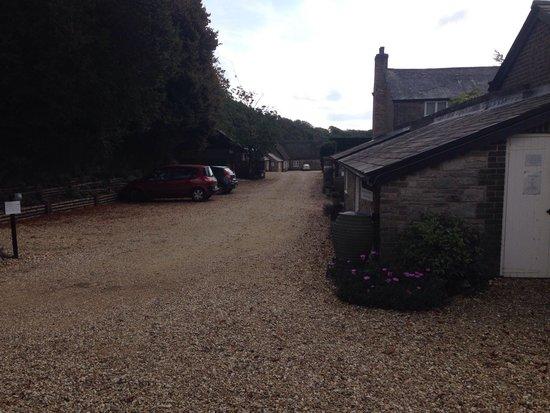 Greenwood Grange Farm Cottages: Entrance driveway