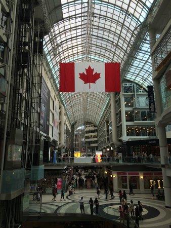 CF Toronto Eaton Centre: Toronto Eaton Center