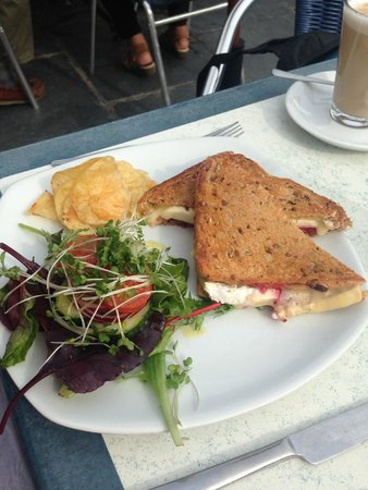 Harbour Light Tea Garden: Toasted Brie & Cranberry