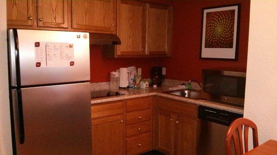 Residence Inn Boston Andover: Kitchen