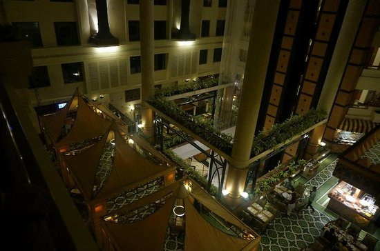 The Orchid Mumbai: The View of Boulevard Cafe from our Room Lobby..