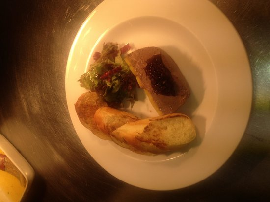 The Hare & Hounds: Chicken pate
