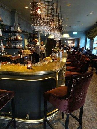 Stora Hotellet Umeå: The main bar...